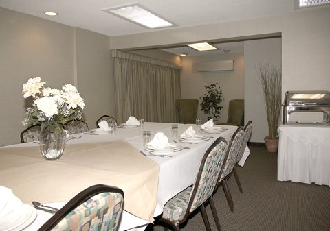 Sophie Station Suites - Zach s Catering Board Room