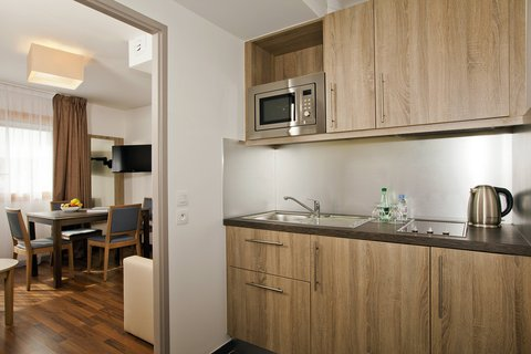 Residhome Paris Issy Les Moulineaux - Appartment - kitchen