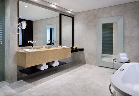 فندق ماريوت هاربر دبي - Three-Bedroom Penthouse Suite - Bathroom