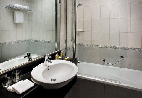 فندق ماريوت هاربر دبي - Suite Bathroom