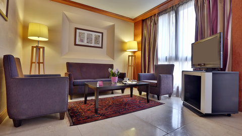 Crowne Plaza Beirut Hotel - Suite