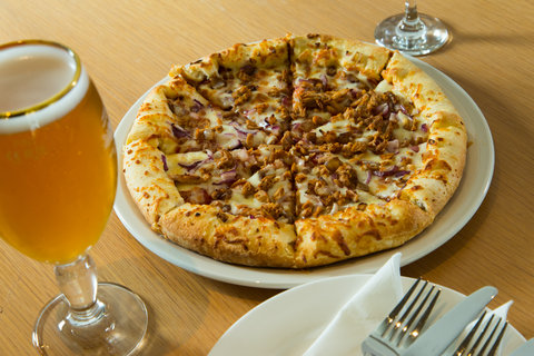 Holiday Inn Express CAMBRIDGE - Pizza is always a good idea and we serve our pizza s 24 7