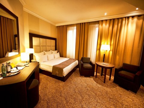 National Hotel - Guest Room