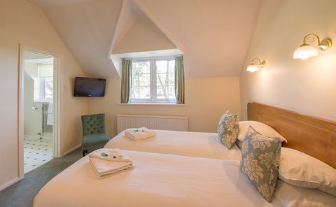 Moorhill House - Classic Agister Twin