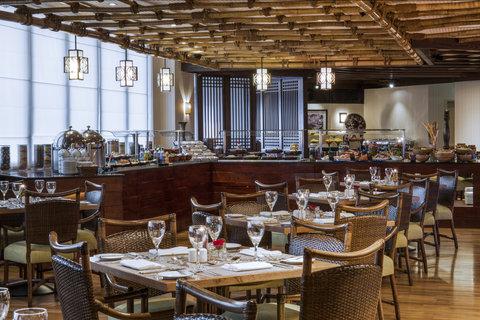 فندق كراون بلازا ديرة دبي - Spice Island Table