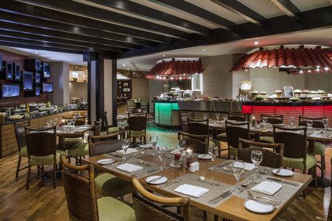 فندق كراون بلازا ديرة دبي - Spice Island Table 2