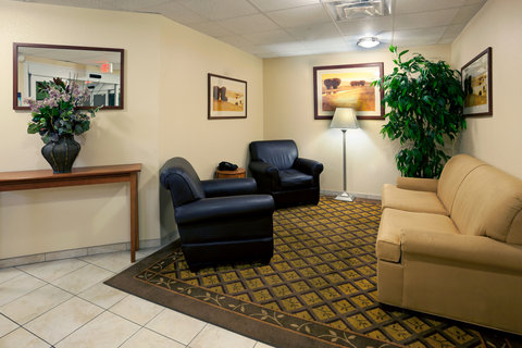 Candlewood Suites Corpus Christi - Spid Hotel - Meet your friends or family before heading out