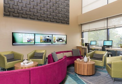 SpringHill Suites Chicago O'Hare - Lobby Seating Area