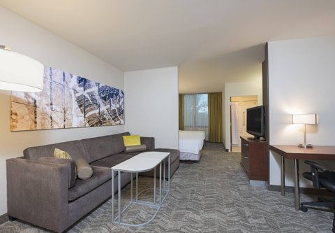 SpringHill Suites Chicago O'Hare - Double Double Studio Suite - Living   Work Area