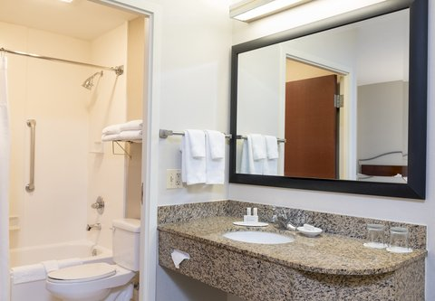 SpringHill Suites Chicago O'Hare - Suite Vanity