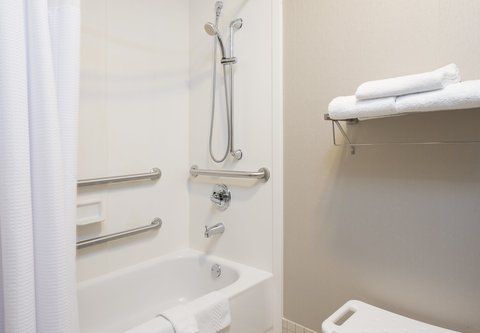 SpringHill Suites Chicago O'Hare - Accessible Guest Bathroom