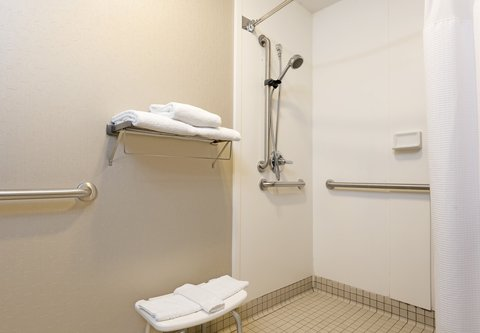 SpringHill Suites Chicago O'Hare - Accessible Guest Bathroom - Roll-in Shower