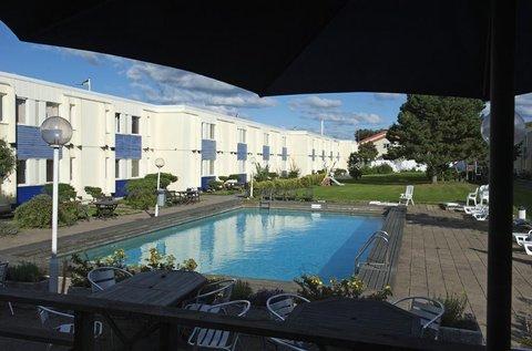 Apple Hotel - Pool