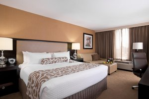Room - Crowne Plaza Hotel Greenville