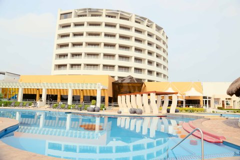 Crowne Plaza TUXPAN - Exterior swimming pool