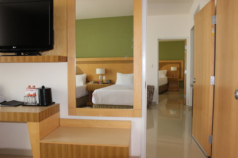 Crowne Plaza TUXPAN - Adjoining Double executive room and Presidential Suite