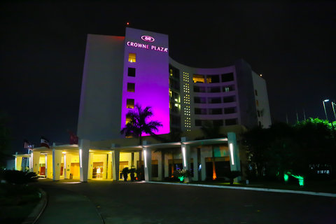 Crowne Plaza TUXPAN - Exterior night view