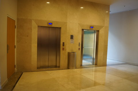 Crowne Plaza TUXPAN - Elevator on lobby