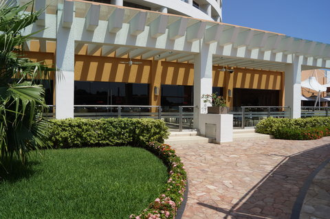 Crowne Plaza TUXPAN - Restaurant Tambuc from the outside