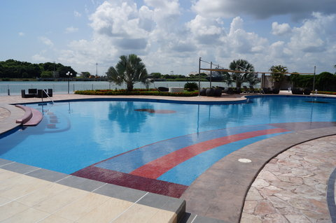 Crowne Plaza TUXPAN - Pool for adults