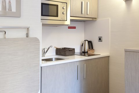 Aparthotel Silver - Kitchenette in room