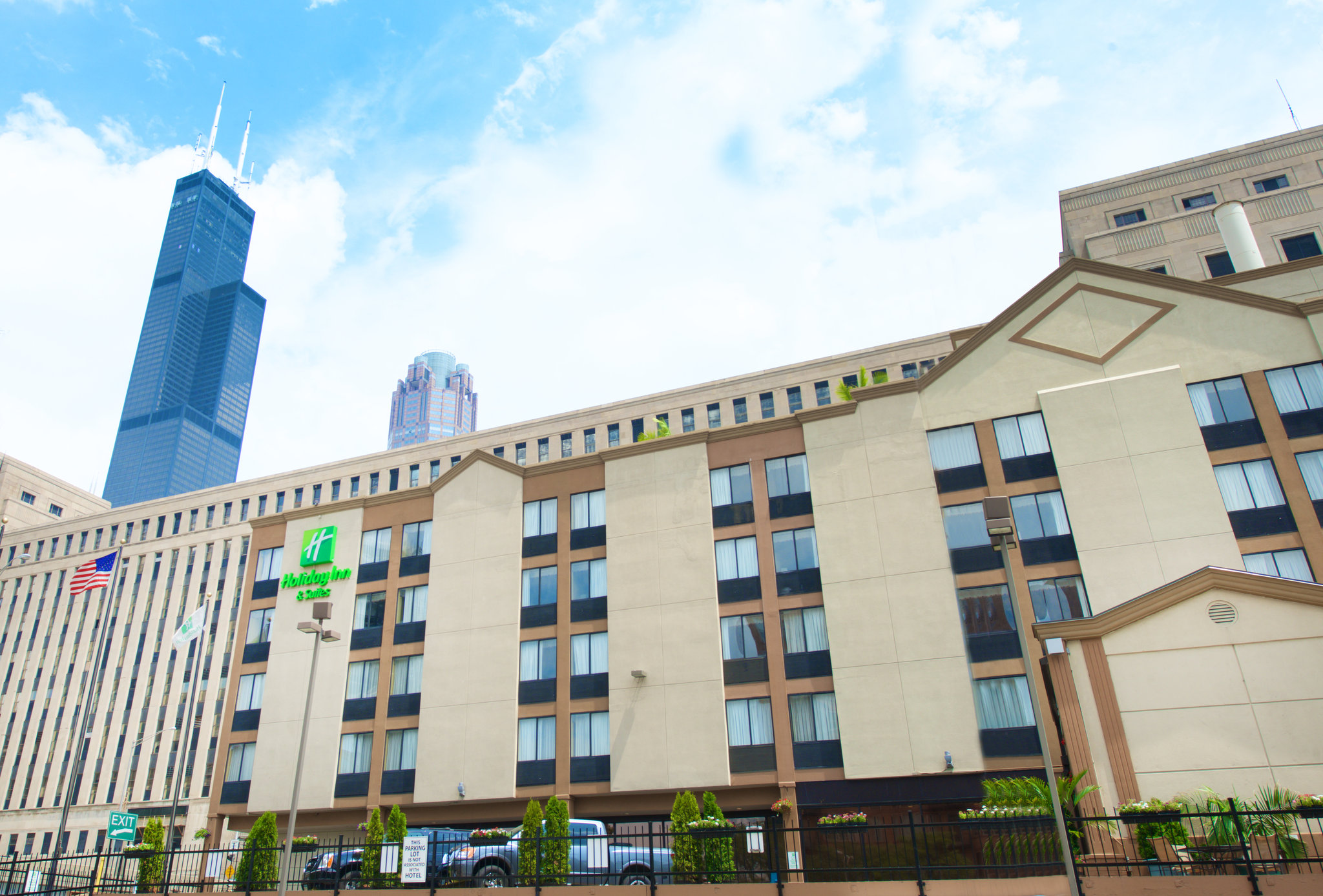 Holiday Inn Hotel And Suites Chicago Downtown