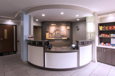 Holiday Inn Express & Suites NASHVILLE-I-40&I-24(SPENCE LN) - Front Desk