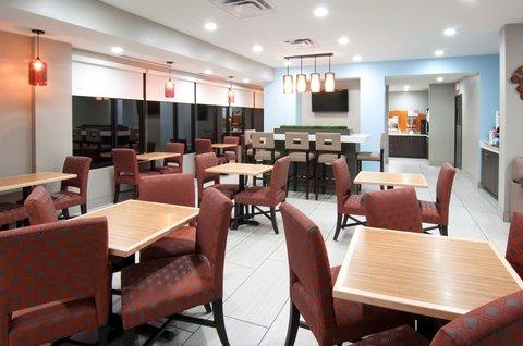 Holiday Inn Express & Suites NASHVILLE-I-40&I-24(SPENCE LN) - Family Dining