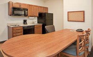 Suite - Candlewood Suites Northeast Kansas City