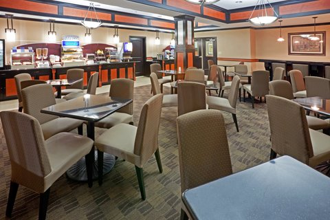 Holiday Inn Express & Suites DALLAS CENTRAL MARKET CENTER - Breakfast Area