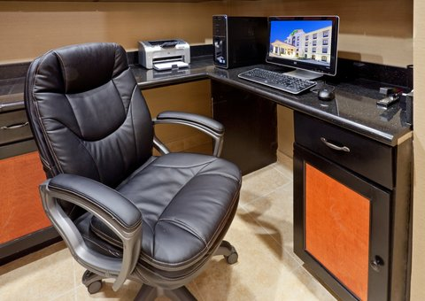 Holiday Inn Express & Suites DALLAS CENTRAL MARKET CENTER - Business Center