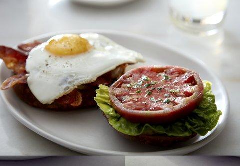 Marriott Charlotte City Center Hotel - Stoke Restaurant - BLT   Egg