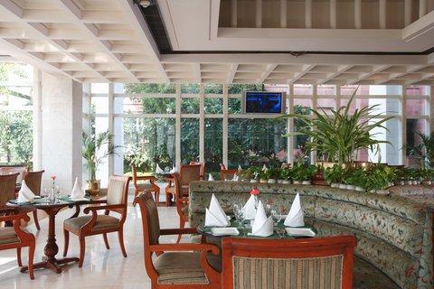 Jaypee Palace - Pavilion Cafe