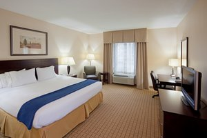 Room - Holiday Inn Express Hotel & Suites Rochester