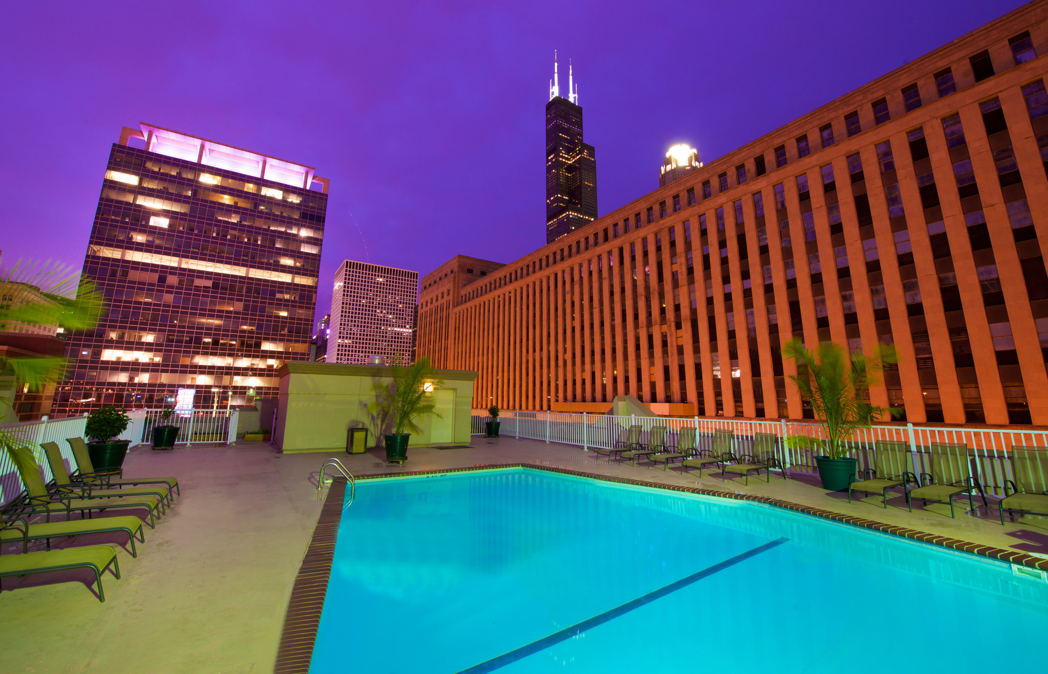 Holiday inn hotel suites chicago downtown photos for The hotel chicago downtown