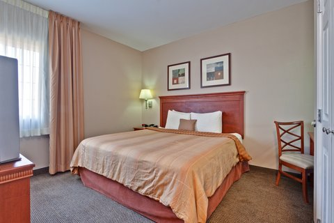 Candlewood Suites CLARKSVILLE - Single Bed Guest Room