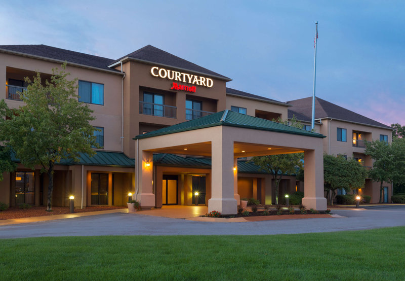 COURTYARD FAIRLAWN MARRIOTT