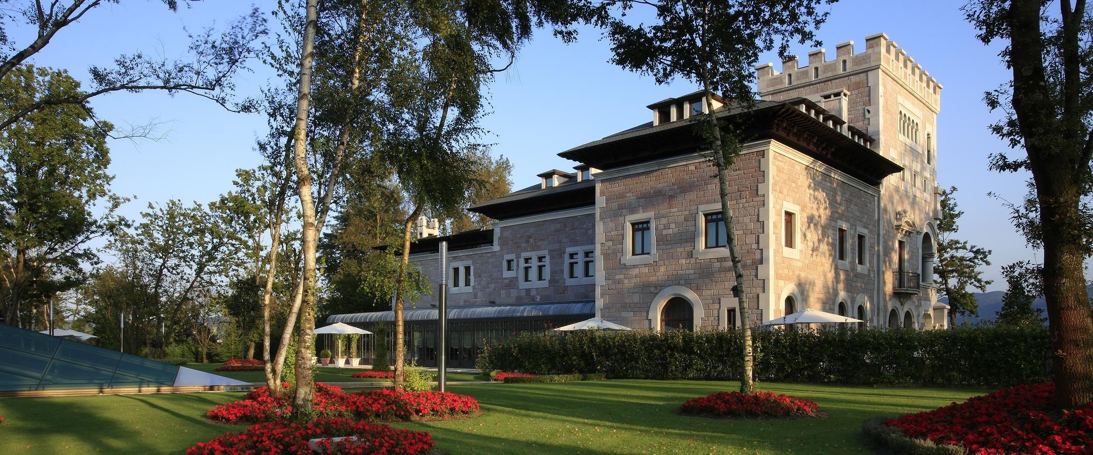 Domus Selecta Castillo Bosque La Zoreda