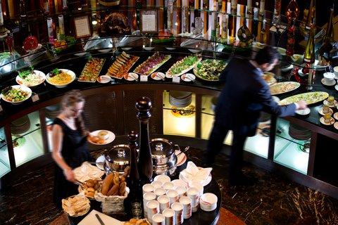 فندق إنتركونتيننتال أبو ظبي  - Chamas Brazilian Restaurant Salad Buffet