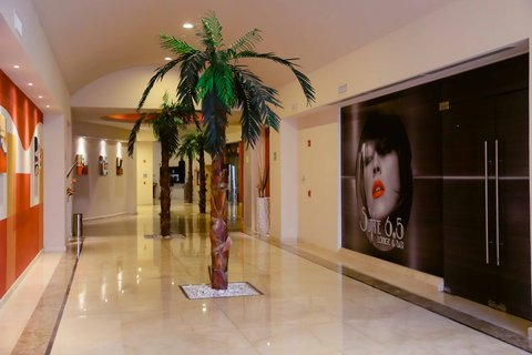 Crowne Plaza TUXPAN - Palm trees Hallway Suite 6 5 Bar