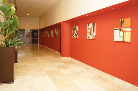 Crowne Plaza TUXPAN - Convention center hallway entrance