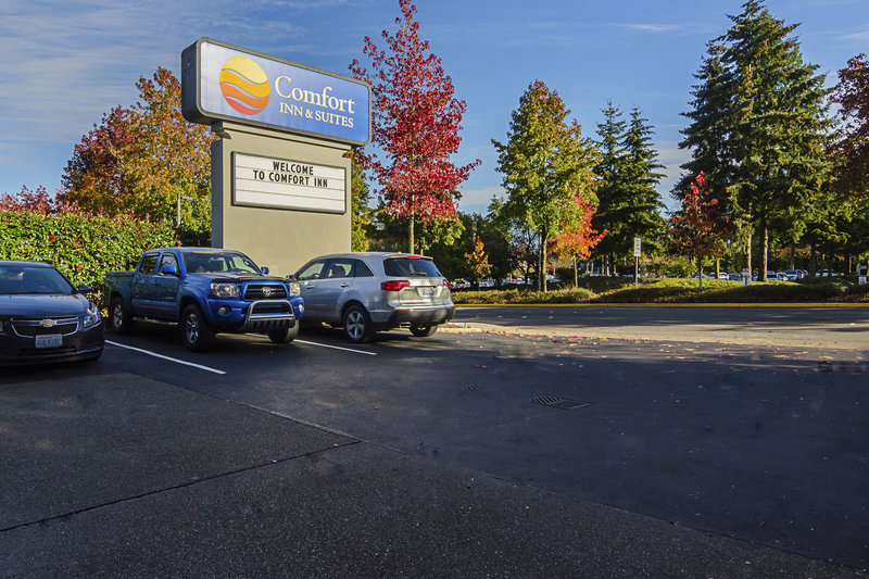 COMFORT INN AND SUITES SEA-TAC