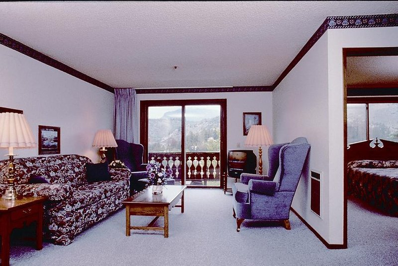 Heidelberg Inn - June Lake, CA