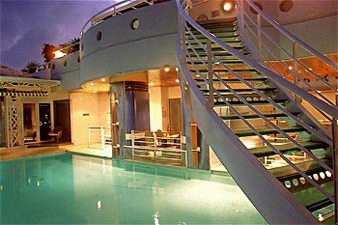 Valmeniere Karibea Hotels - Swimming Pool by Night