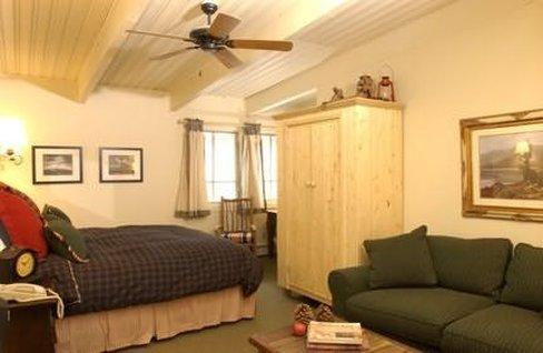 Little Red Ski Haus - Aspen, CO