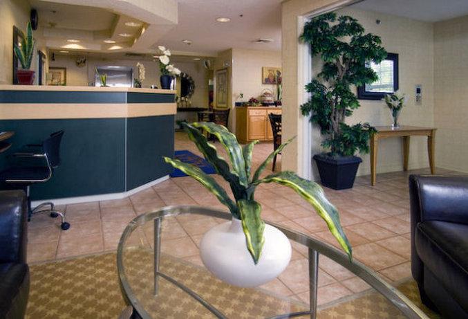 Holiday Inn Express & Suites JACKSONVILLE AIRPORT - Jacksonville, FL