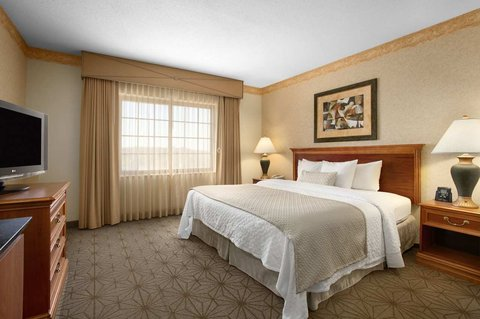 Embassy Suites Columbia - Greystone - King Bedroom