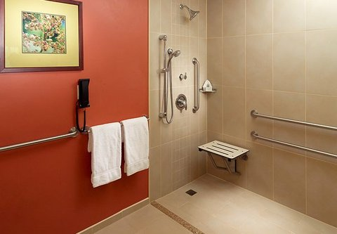 Courtyard by Marriott San Jose Airport Alajuela - Handicap Bathroom