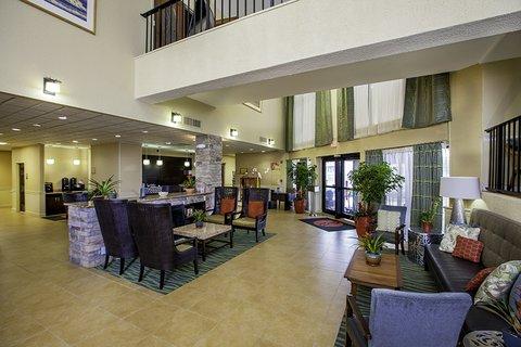 Ramada Plaza Nags Head Oceanfront - Lobby