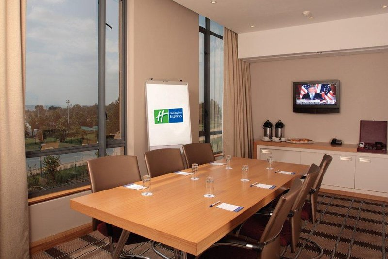 Holiday Inn Express Woodmead 会议厅